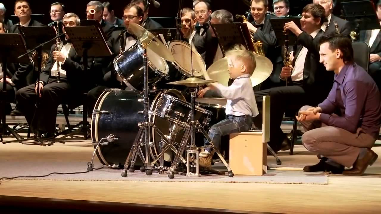 hd lyonya shilovsky 3 years old russian drummer leads. Black Bedroom Furniture Sets. Home Design Ideas