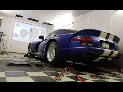 I Took My Dodge Viper to the Dyno to Measure Its Horsepower