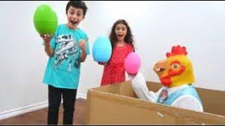 बच्चों के लिए मजेदार आश्चर्य अंडे की कहानी और पोशाक ड्रेस अप वीडियो