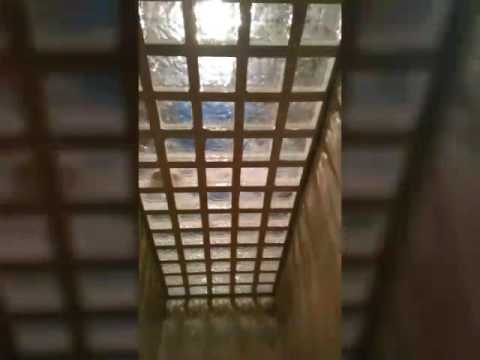 Tragaluz hierro y cristal v youtube - Tragaluces para tejados ...