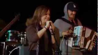 Jenni Rivera-Dos botellas de Mezcal (ensayo previo monterrey)