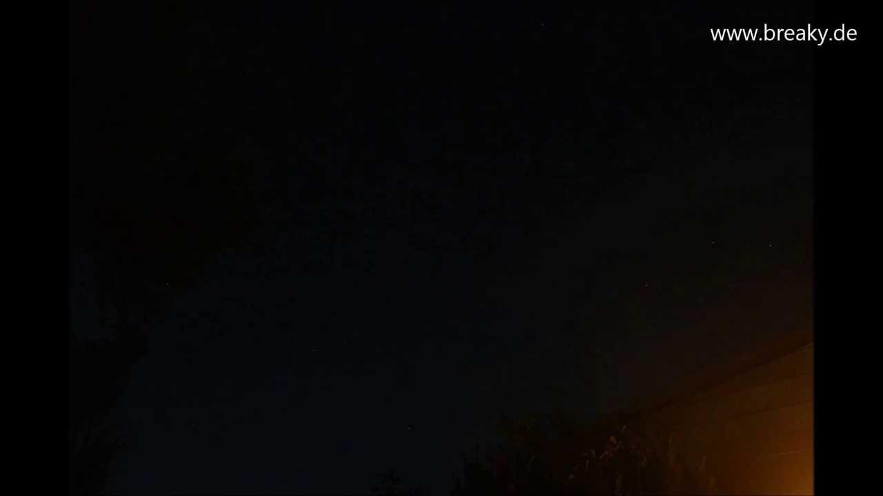 Zeitraffer Sternenhimmel - Erster Versuch mit der Nikon D5200 - YouTube