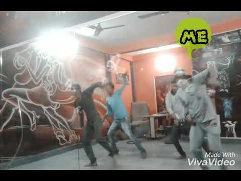 Shake that booty/mika singh song-sid dance