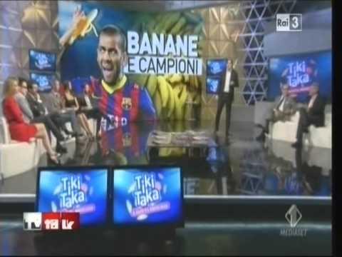 Il caso della banana anti-razzista di Dani Alves raccontato a Tv Talk