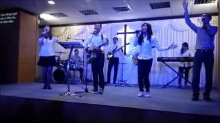 Cùng nhau tung hô Danh Chúa