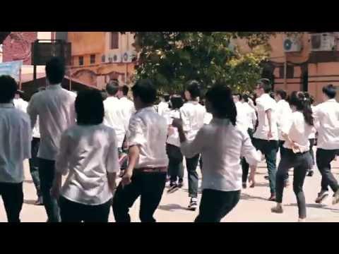 Học sinh Trần Phú nhảy flashmob chia tay tuổi học trò
