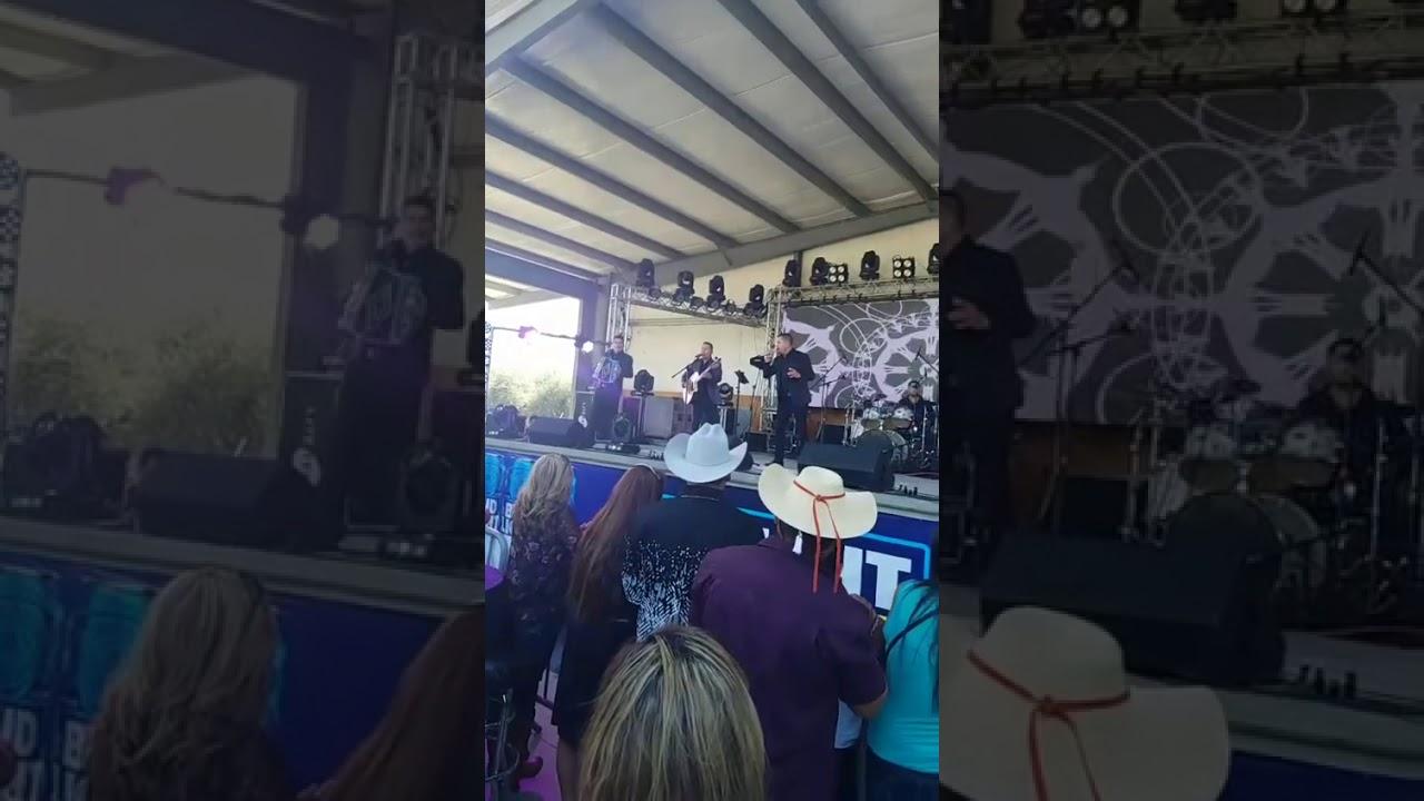 El ayudante (en vivo) la ley de michoacan