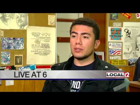 """Local """"dreamers"""" and supporters rally for DACA, want Congress to act"""