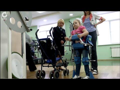 Виктор Кирьянов встретился с восьмилетней Аней Некрасовой, которую пять лет назад сбил внедорожник