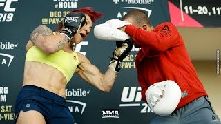 Video Cris Cyborg UFC 219 Open Workout  - MMA Fighting download MP3, 3GP, MP4, WEBM, AVI, FLV September 2018