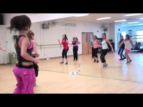 Red Hot Fitness - La Isla Bonita(Samba Remix) - Squeez Up (Dance Fitness)