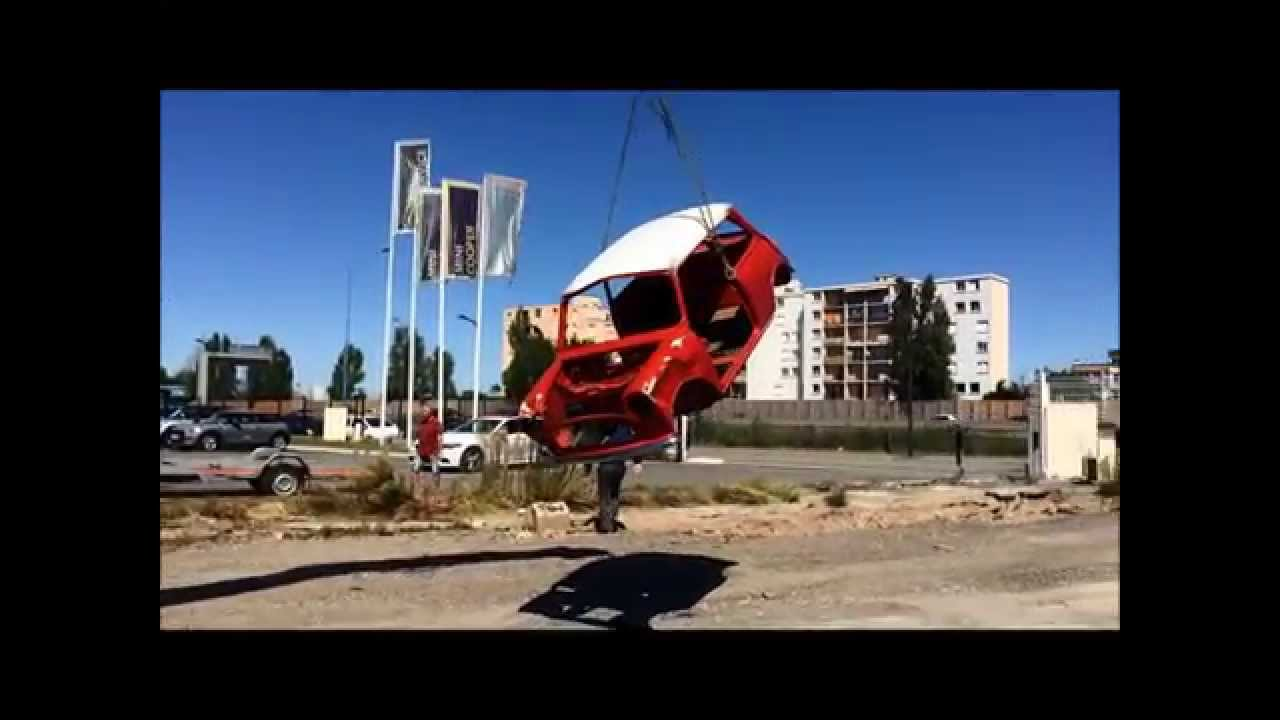 My mini is broken by mini store pelras toulouse youtube for Garage pelras mini toulouse