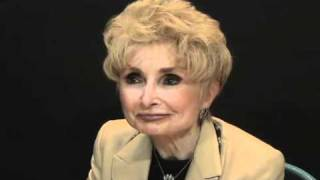 Rebbetzin Esther Jungreis: Childhood