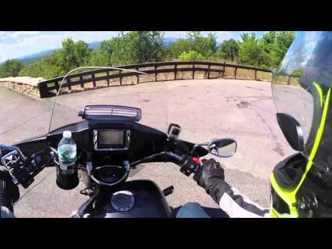 Vlog#75 - A july ride out with hang gliders.