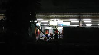 【JR貨物 紀勢本線】和歌山駅 甲種輸送(DD51-1193+南海8300 6両) 前後機関車交換作業中
