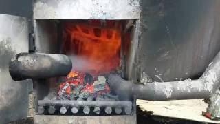 видео Производство древесного угля: оборудование и технология изготовления