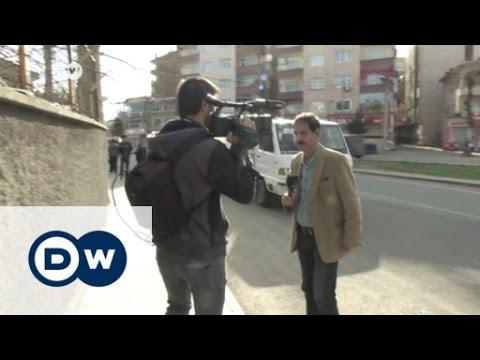 Kurdische Journalisten zwischen den Fronten  DW Nachrichten
