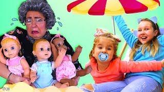 Ruby & Bonnie Pretend Play Beach Party with dolls