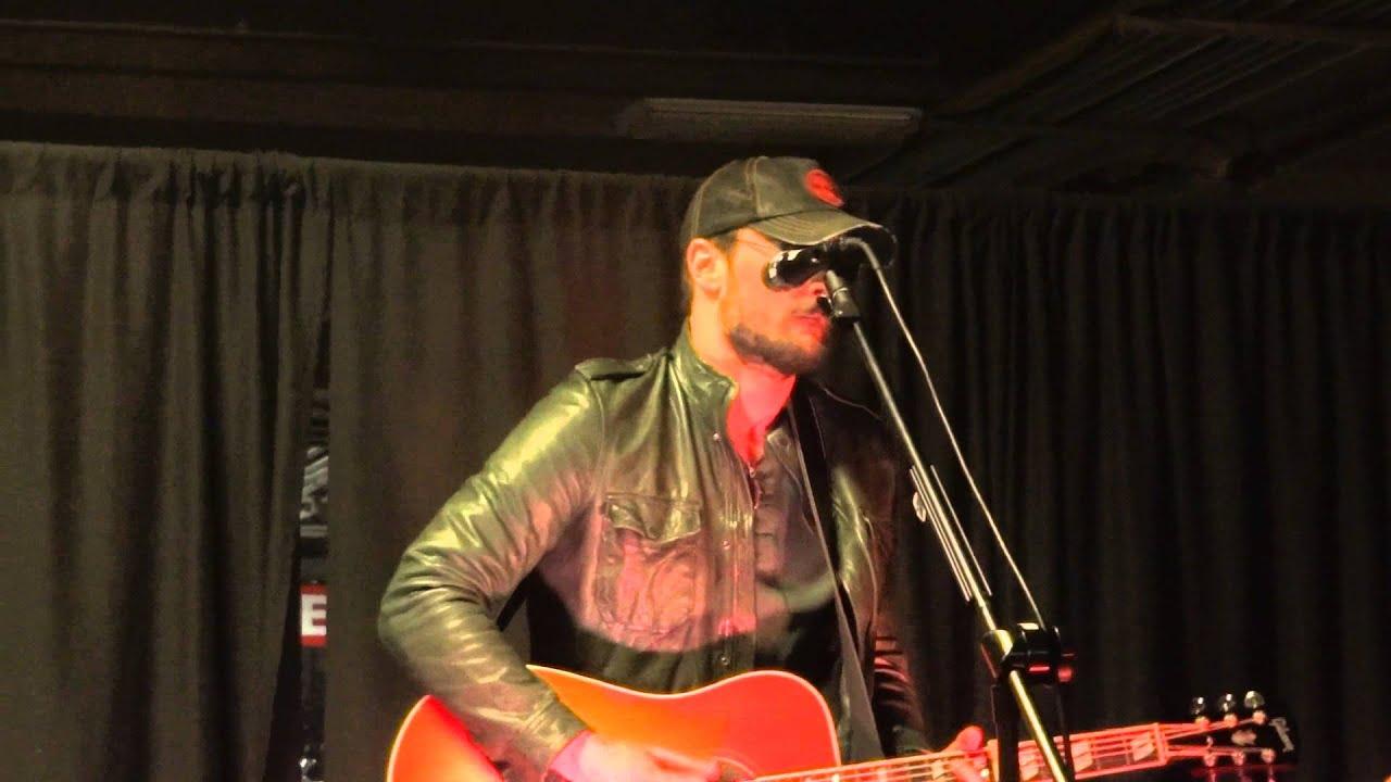 eric-church-chevy-van-vip-acoustic-set-hamilton-on-feb-13-2013-jskaaa