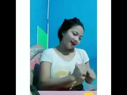 Indonesian Girl Webcam Dance