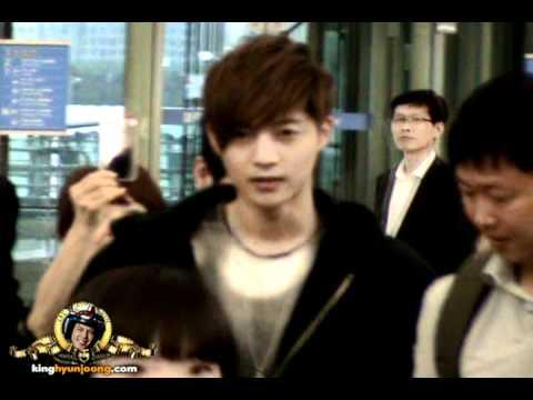 download 120530 KIM HYUN JOONG fancam - Incheon Itnl' Airport (for Cheungdu)