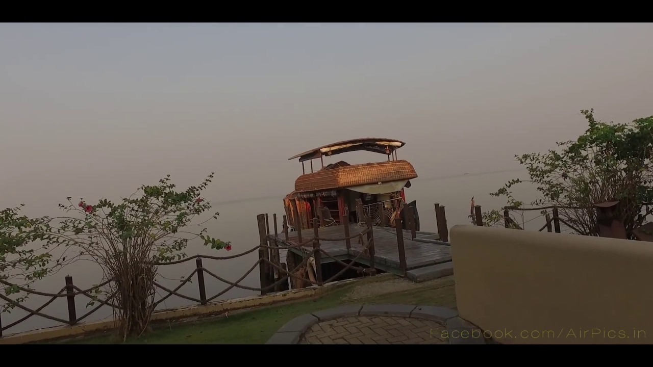 The Zuri Kumarakom Kerala Resort And Spa