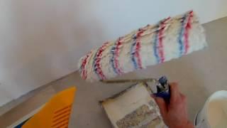 видео Как клеить флизелиновые обои: особенности материала и процесса