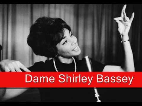 Dame Shirley Bassey: Fly Me To The Moon (In Other Words)