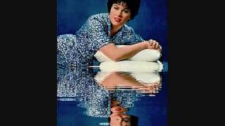 Watch Patsy Cline I Cant Help It video