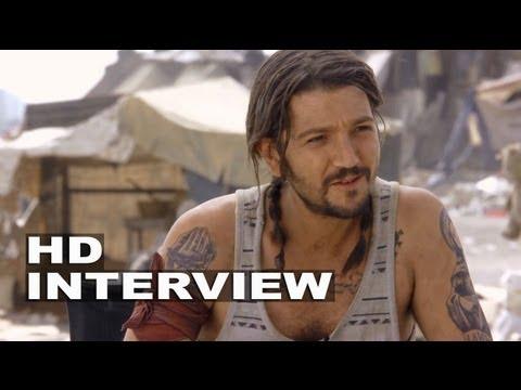"""Elysium: Diego Luna """"Julio"""" On Set Interview"""