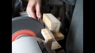 Самодельное устройство для заточки ножей(Полное описание устройства на http://tvorenie.org/viewtopic.php?id=132., 2013-08-03T10:48:43.000Z)
