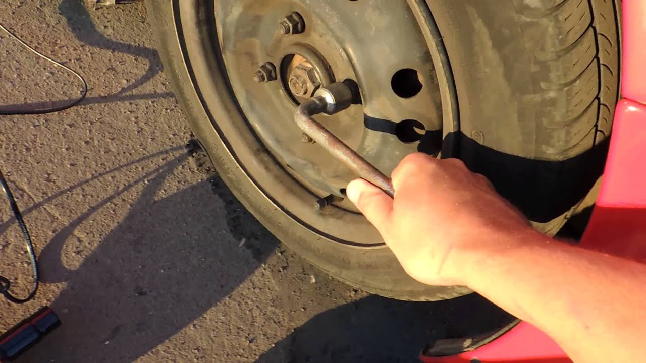 бюджетный инструмент в гараж. ударный электро гайковерт - YouTube