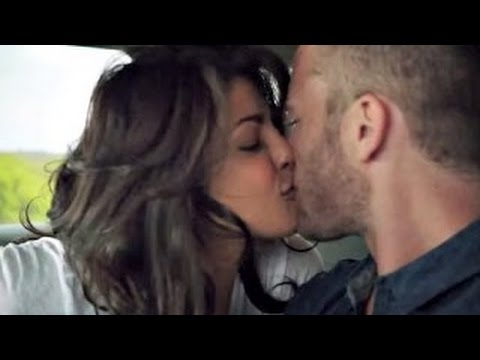 Hot Kissing Video Of Hollywood