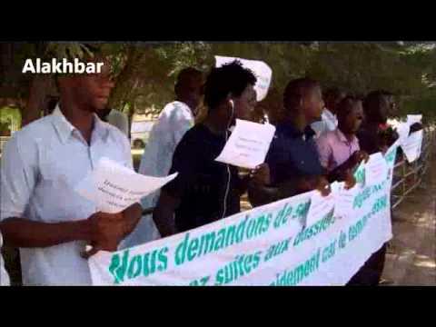 Des étudiants manifestent devant l'Ambassade de France à Nouakchott contre le rejet de visa