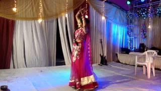 Ladies sangeet-Dance by bride(choriograph by us)-Rajeev saxena musical group,Kanpur
