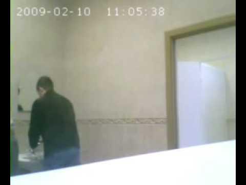 Подглядывание за девушками в туалете, скрытая камера