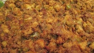 Italian Sausage Cornbread Dressing Recipe - I Heart Recipes