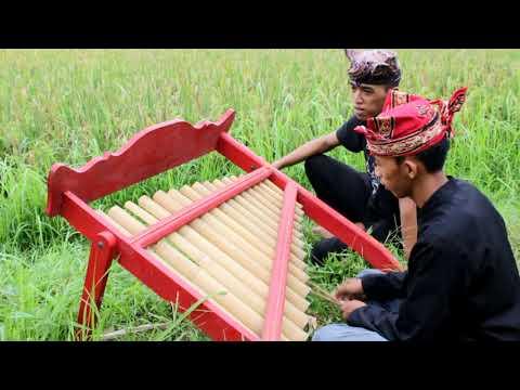Belajar Angklung Banyuwangi (Lagu: Padhang Ulan)