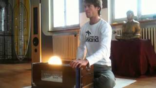 "Fabian Leisi plays Harmonium @ Spiritzone - powered by ""Shanti Sounds"""