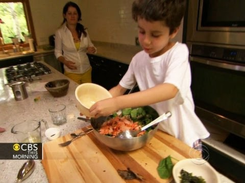 Kid chef cooks at the White House