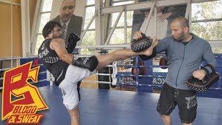 Удары ногами и передвижения. Тренировка с Николаем Елесиным. Эльмар Гусейнов.
