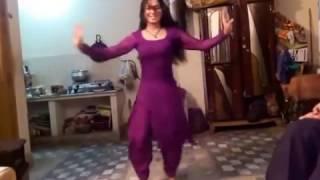 Madam Mehak Super Hot Mujra in private party