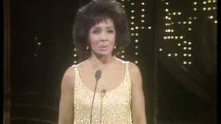 Watch Shirley Bassey New York State Of Mind video