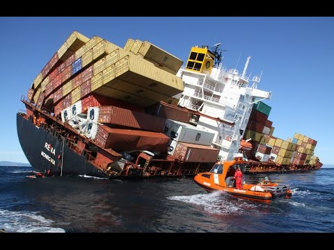 Epic Ship Crash Compilation 2017 || FailHub