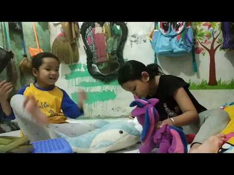 SAKINAH & ISNA || Bermain Boneka Sama Mba Intan