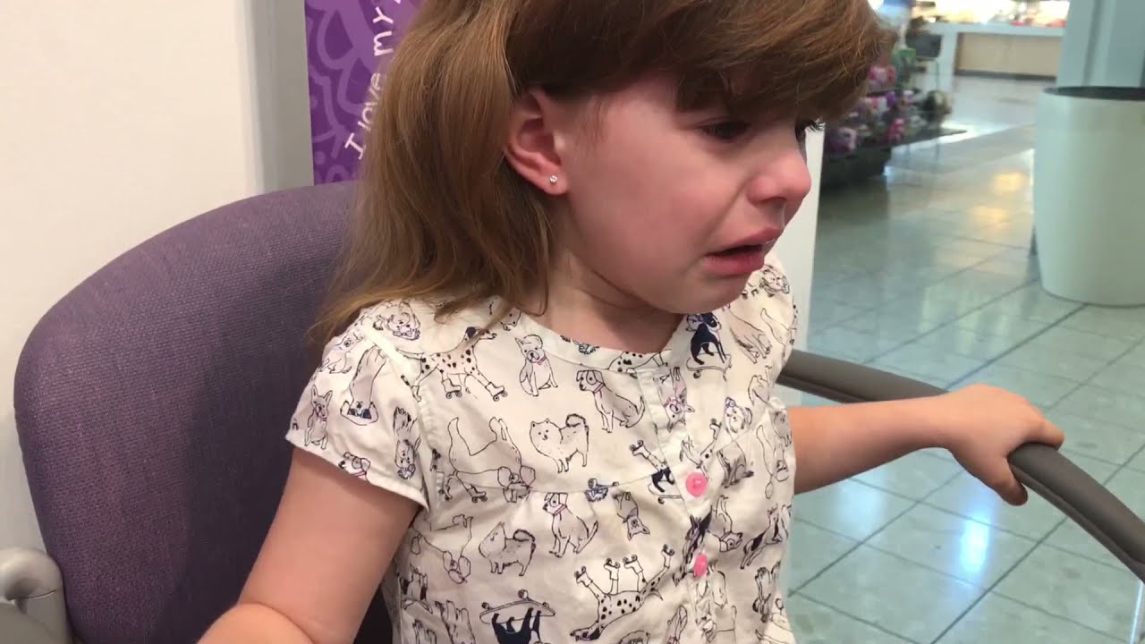 5 Year Old Getting Ears Pierced At Claire S Youtube