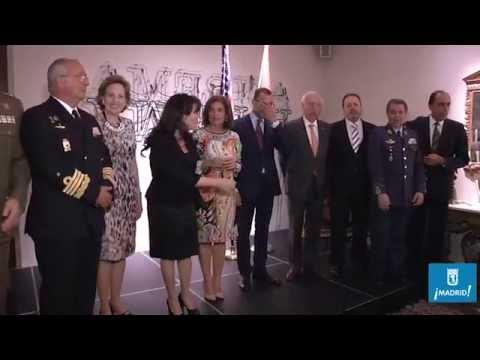 La alcaldesa, en el homenaje al teniente general Bernardo de Gálvez