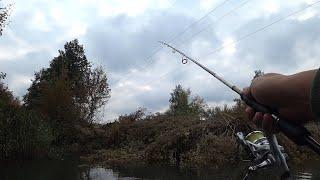 Рыбалка на щуку Ловля на малой реке с лодки