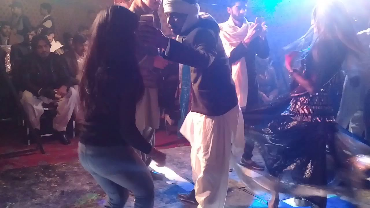 New Dance young girl on song sonay di chori, Multani girl - YouTube