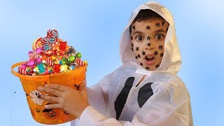 Adel et sami Pretend Play Halloween Costume Dress Up for Candy Haul ,videos for kids